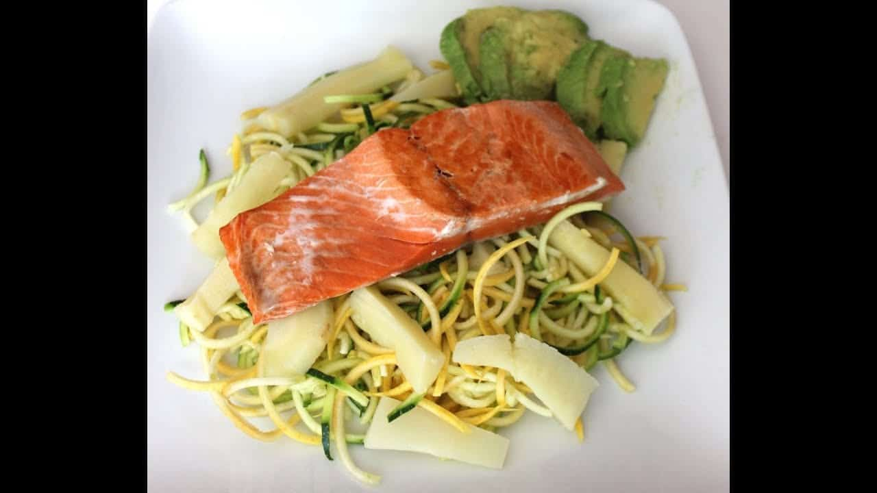 quick-healthy-dinner-for-2-salmon-veggie-pasta-with-avocado-paleo-gluten-free-recipe